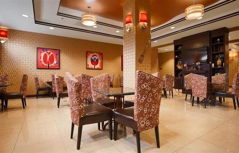 Best Western Plus Jfk Inn & Suites - Restaurant - 37