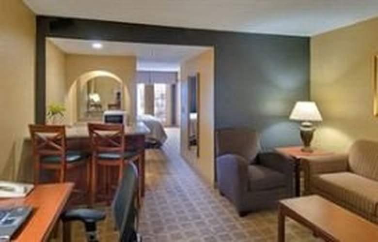 Wyndham Garden Hotel - Room - 3