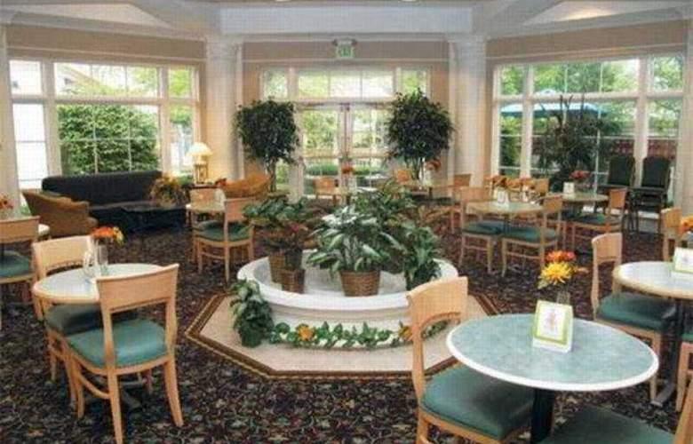 La Quinta Inn & Suites St Louis / Westport - Restaurant - 7