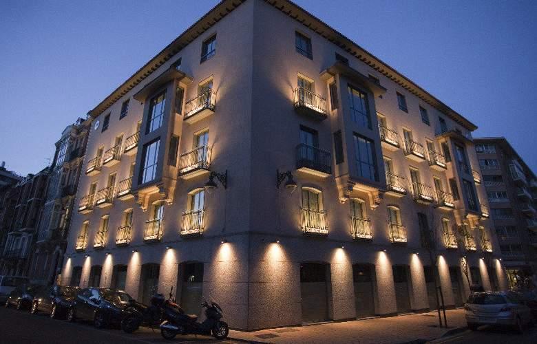 Nexus Valladolid Suites & Hotel - Hotel - 2