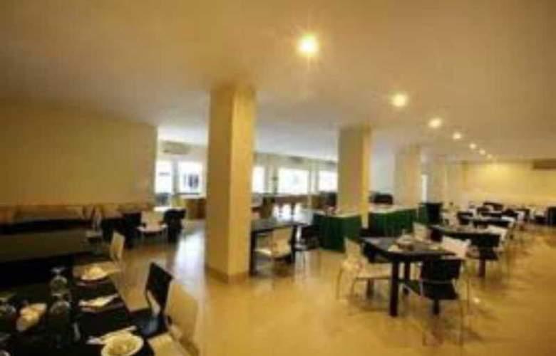 Griya Sintesa Manado - Restaurant - 3