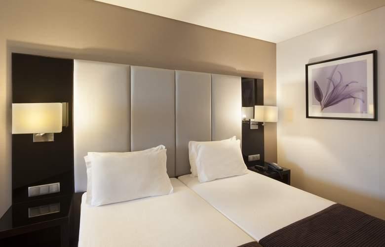 Turim Luxe - Room - 12