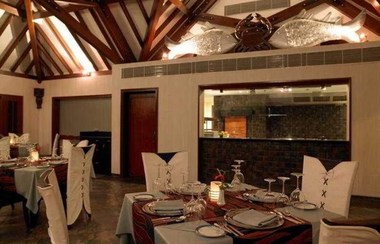 The Zuri Kumarakom Kerala Resort & Spa - Restaurant - 8