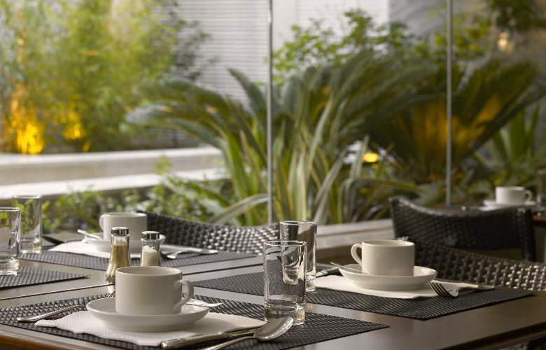 HF Fenix Garden - Restaurant - 13