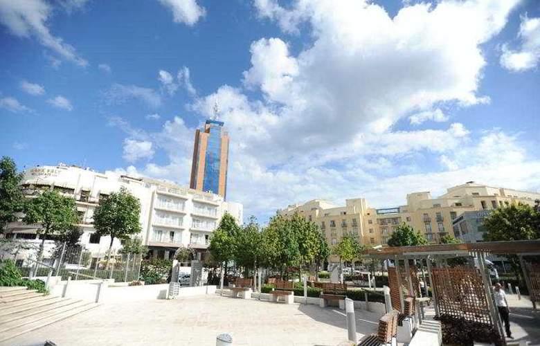 Onyx Apartments - Hotel - 0