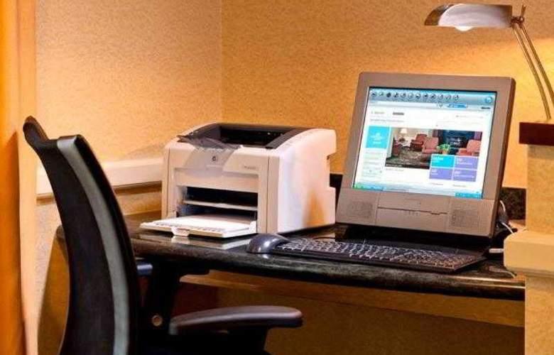 SpringHill Suites Herndon Reston - Hotel - 8