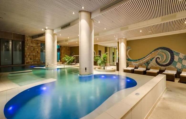 Arabella Western Cape Hotel & Spa - Pool - 33
