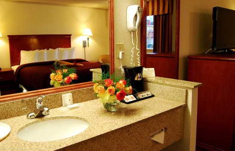 Clarion Hotel Renton - Room - 3