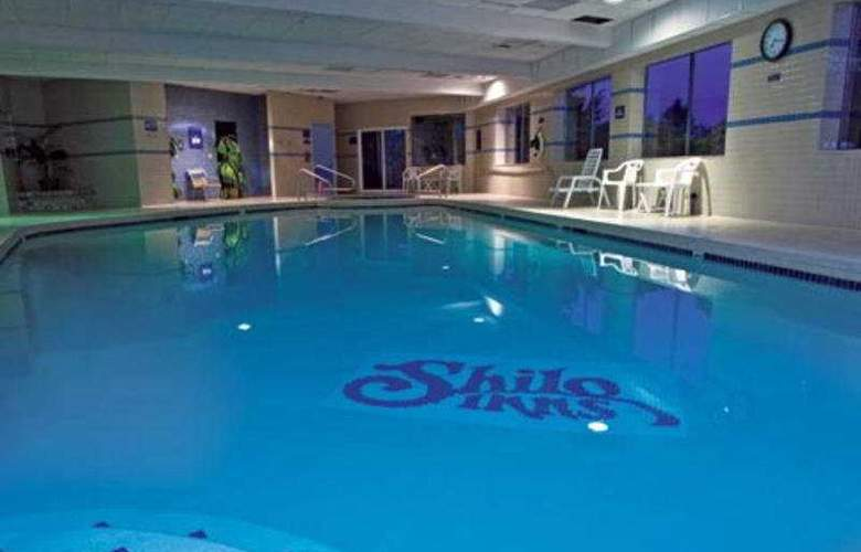 Shilo Inn Suites Tacoma - Pool - 4