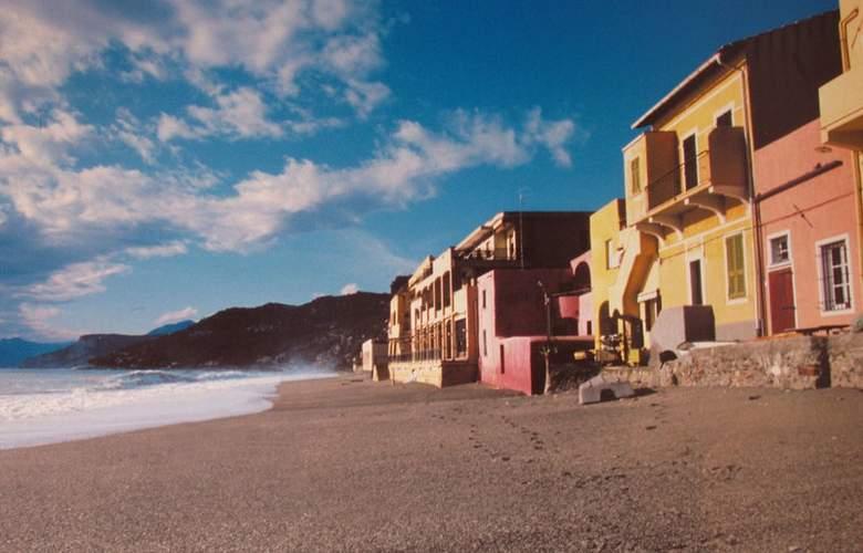 Esperia - Beach - 8