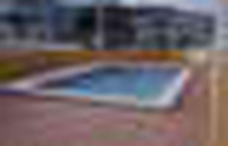 Apartamentos Penyagolosa 3000 - Pool - 2