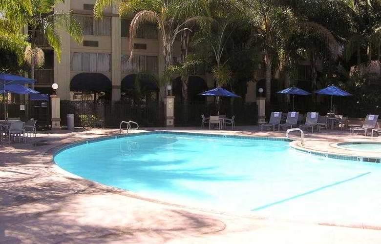 Holiday Inn Buena Park - Pool - 3