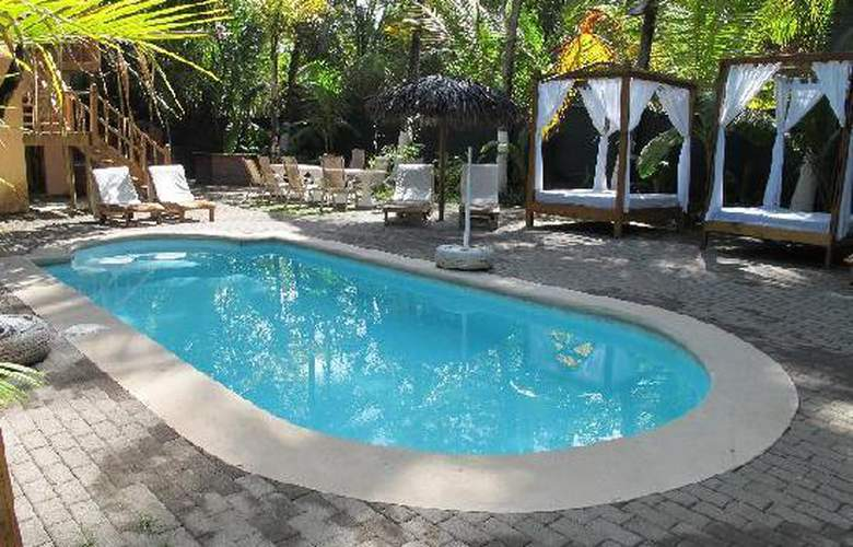 Copacabana hotel and suites - Pool - 2