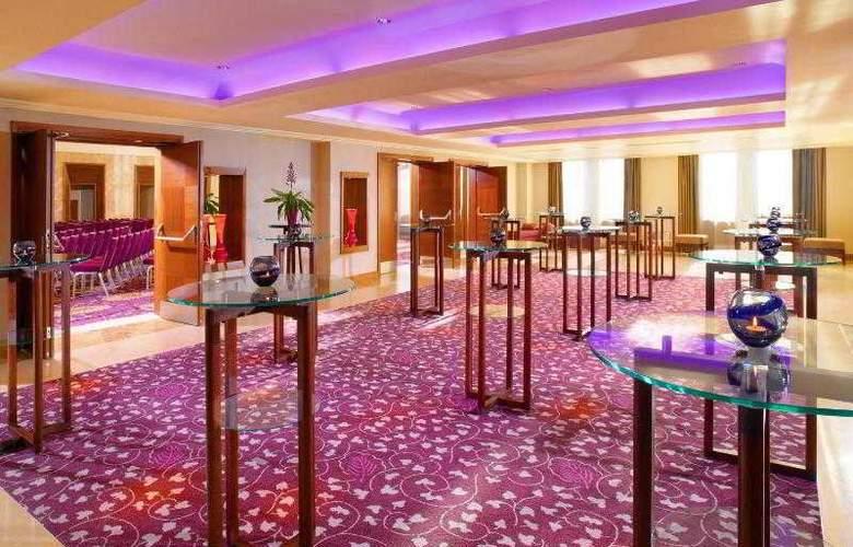 Sheraton Bratrislava - Hotel - 17