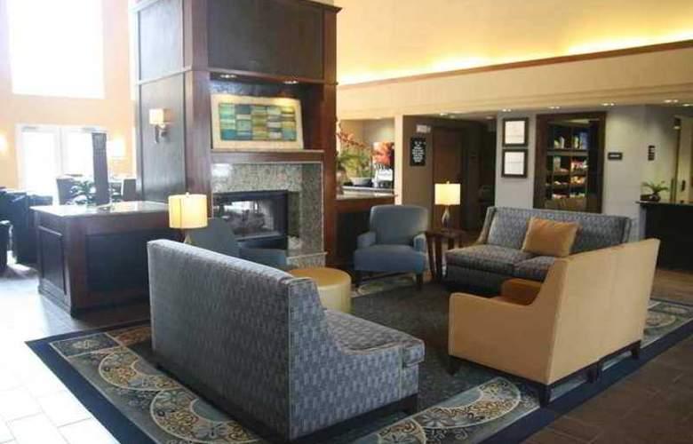 Hampton Inn & Suites Chicago/ Hoffman Estates - Hotel - 1