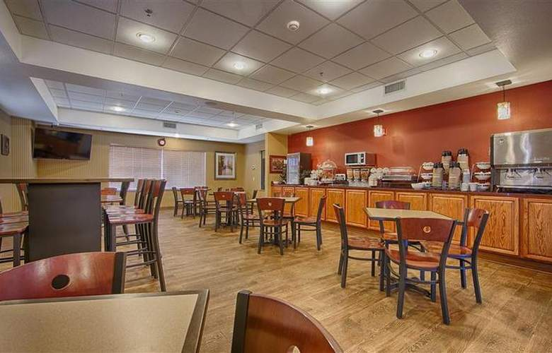 Sleep Inn & Suites Woodland Hills - Restaurant - 110