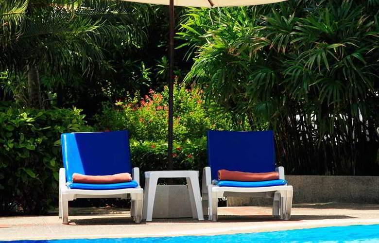 Waterfront Suites Phuket by Centara - Pool - 16