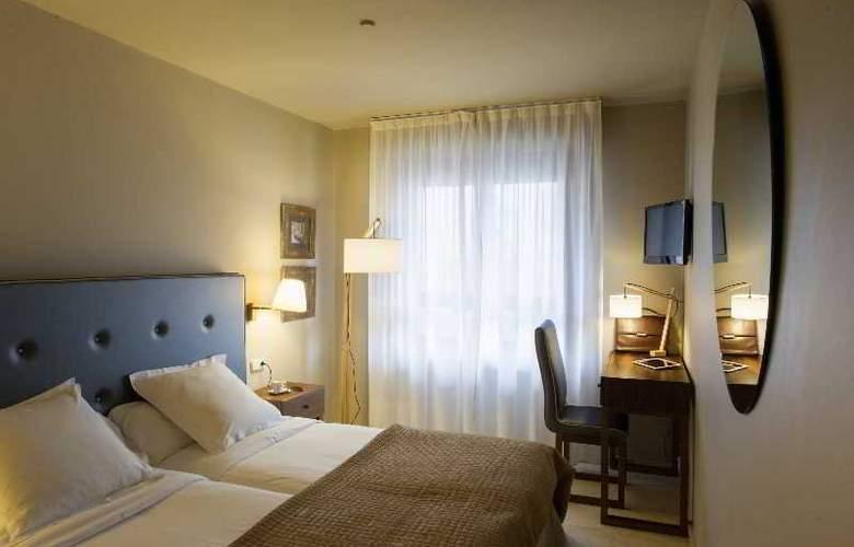 Pamplona Plaza - Room - 14