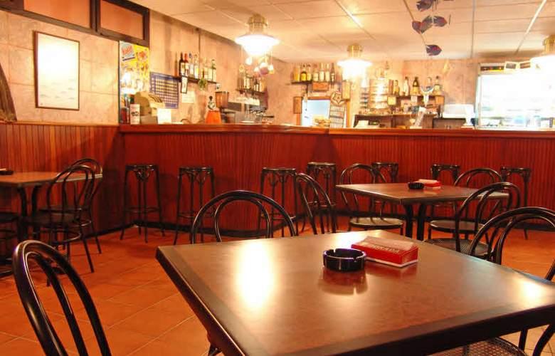 Residencia Cardona - Bar - 1