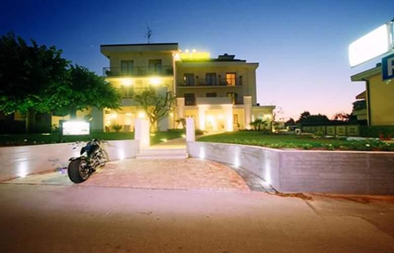 Mauro - Hotel - 4