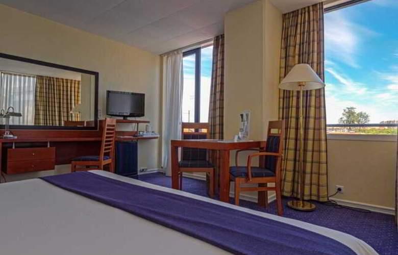 Holiday Inn Lisboa - Room - 21