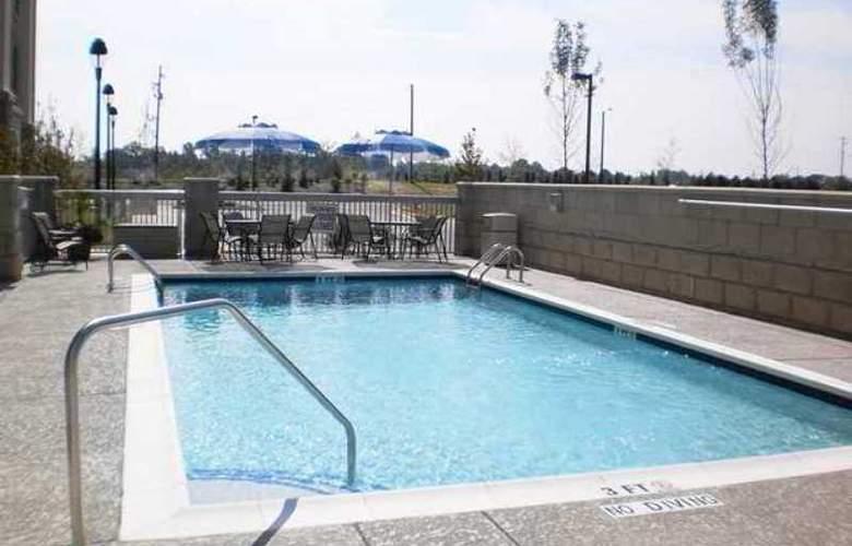 Hampton Inn & Suites Holly Springs - Pool - 3