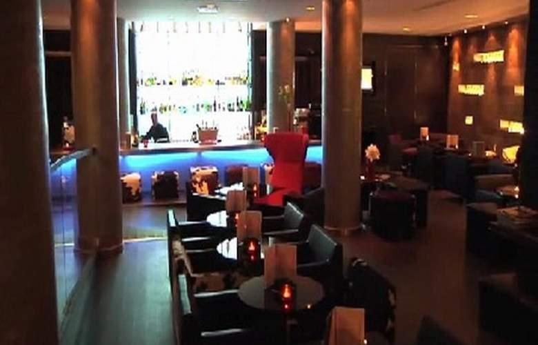 Avenue Lodge Hotel - Bar - 3