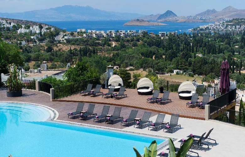 Ramada Resort Bodrum - Pool - 19