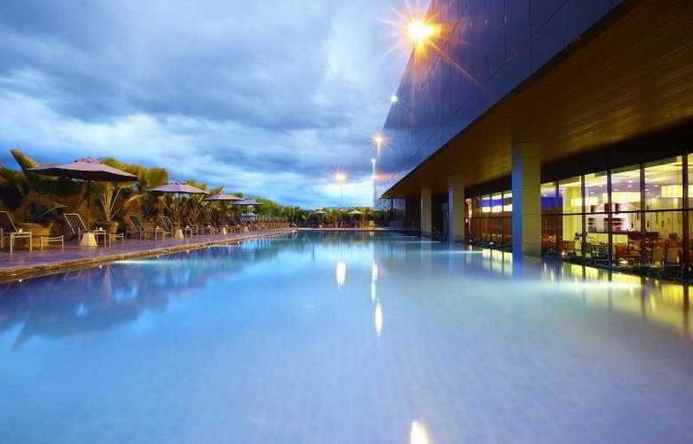 Century Kuching Hotel - Pool - 41