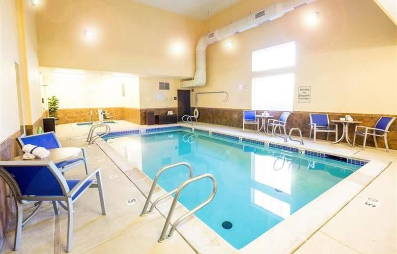 Best Western Plus Eastgate Inn & Suites - Pool - 83