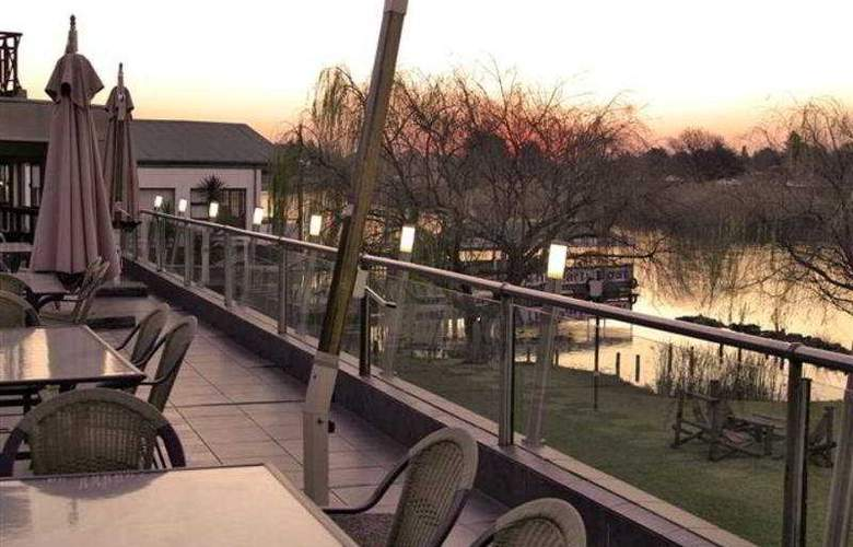 The Lakes Hotel and Conference Centre - Terrace - 5