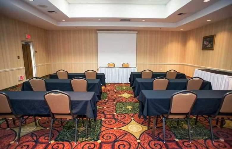 Hilton Garden Inn Portland Airport - Conference - 5