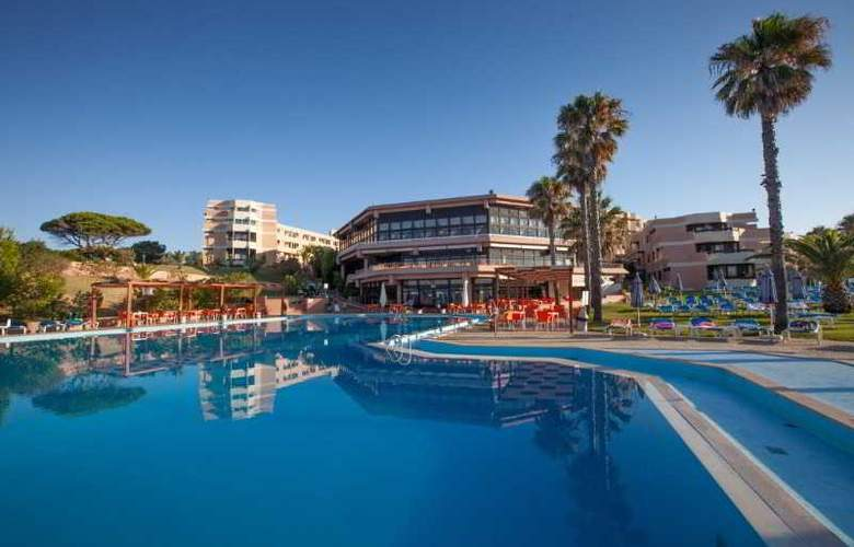 Auramar Beach Resort - Pool - 24