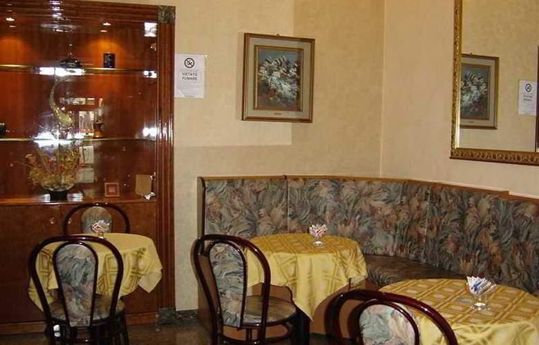 Ambra Palace Pescara - Restaurant - 11
