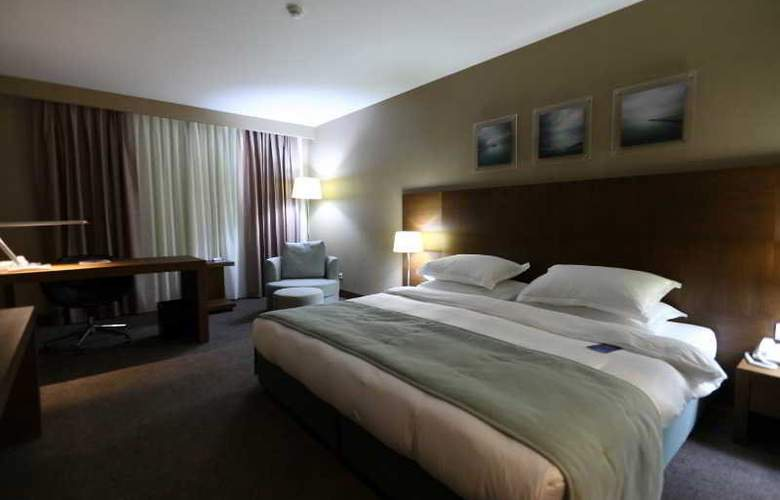 Radisson Blu Conference & Airport Hotel - Room - 4