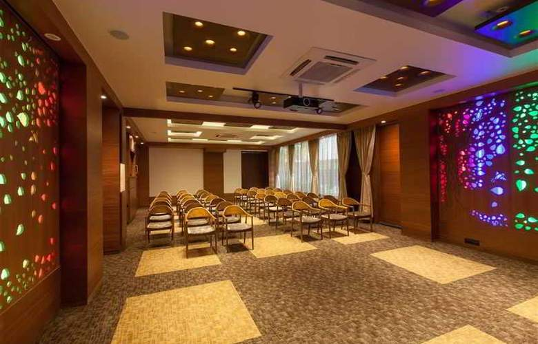 Eastin Easy Citizen Ahmedabad - Hotel - 4