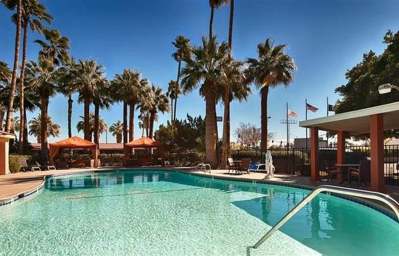 Best Western Sahara Motel - Pool - 21