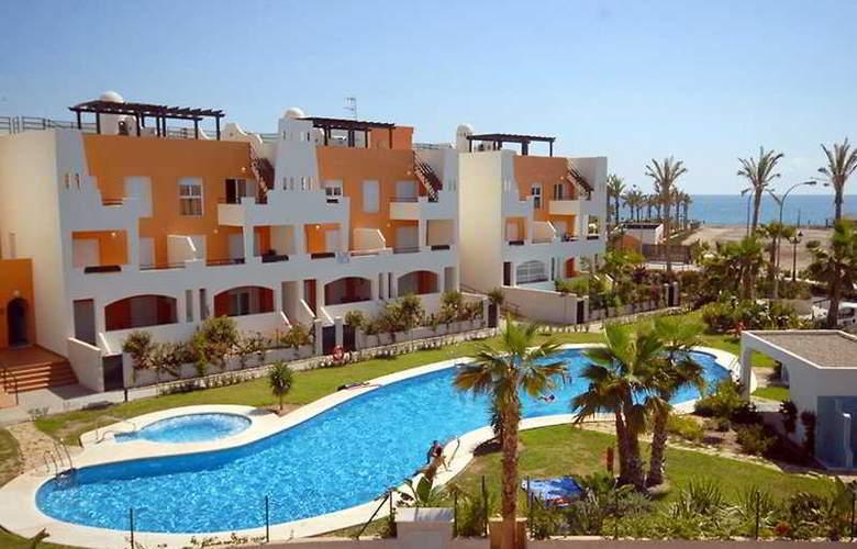 Paraiso Playa - Hotel - 0