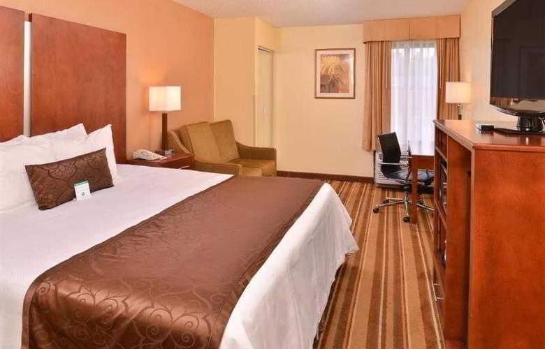 Best Western Plus Richmond Airport Hotel - Hotel - 34