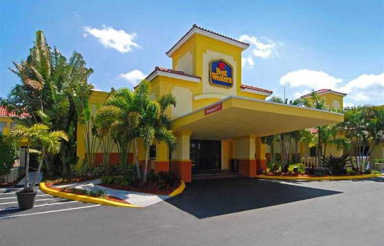 Best Western Plus University Inn - Hotel - 1