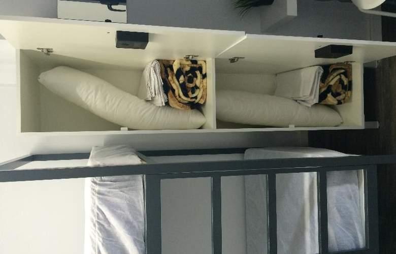 Chameleon Hostel Alicante - Room - 9