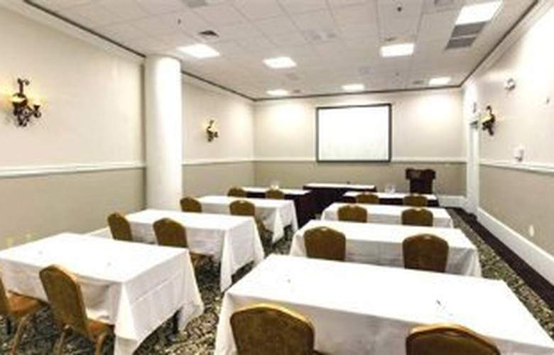 Wyndham Garden Hotel Baronne Plaza - Conference - 7