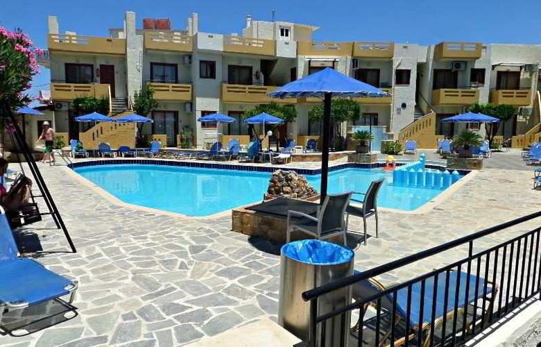 Paradise Apartments - Restaurant - 9
