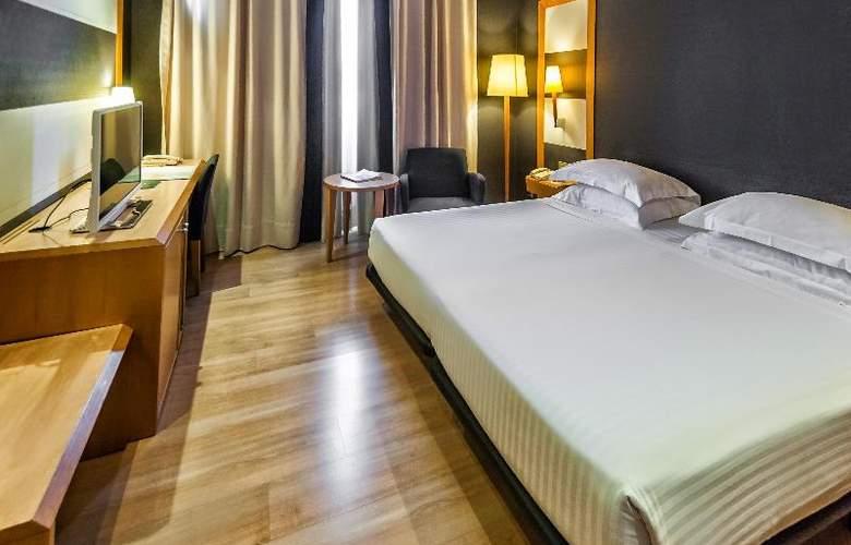 Barcelona Universal - Room - 49