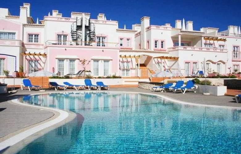 Vigia Resorts - Quinta da Encosta Velha - Pool - 6