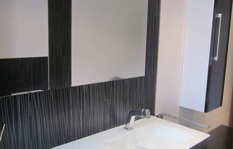 Apartamentos Camilo - Room - 8