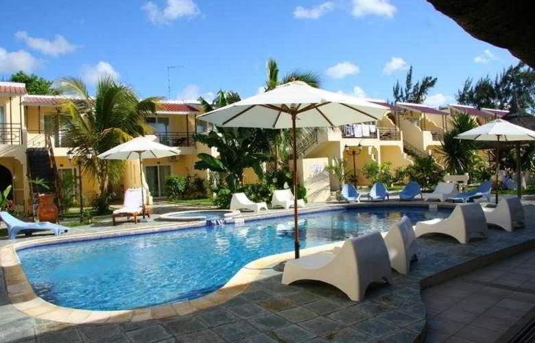 Le Samara Hotel - Pool - 1