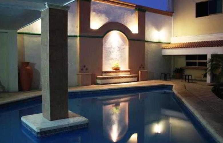Nacional Merida - Pool - 3