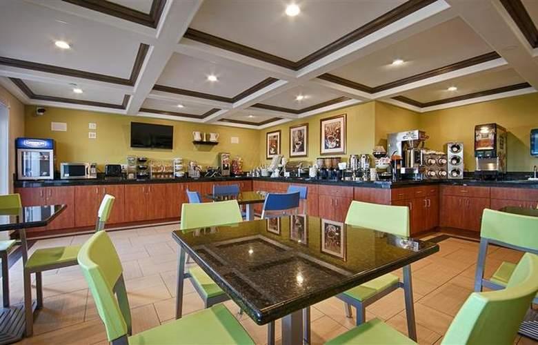 Best Western Plus Antelope Inn - Restaurant - 30