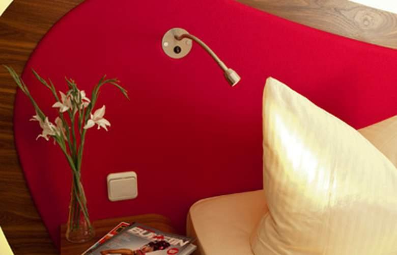 Cocoon Stachus - Room - 0